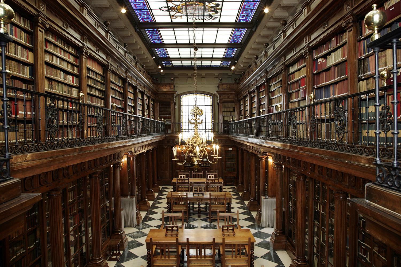 biblioteca-de-menc3a9ndez-pelayo1